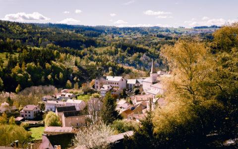Village d'Auroux. Photo : Julian Suau