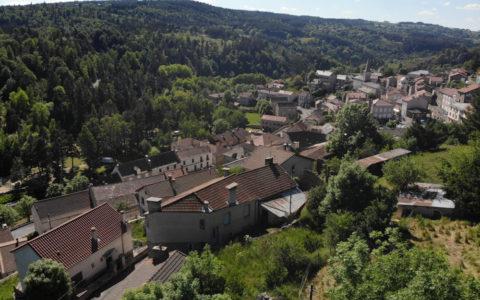 Village d'Auroux. Photo : Dylan Wasselin